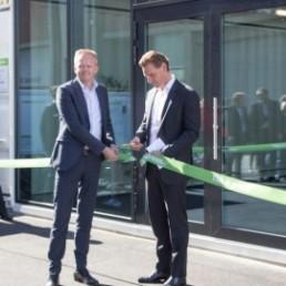 DB Schenkers CEO Jochen Thewes åpnet Oslo City Hub sammen med Schenkers sjef i Norge Knut Eriksmoen.